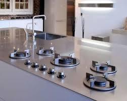 As tomadas devem ficar fora do móvel em que o cooktop está embutido. 10 Melhor Ideia De Fogao Na Pedra Fogao De Embutir Fogao Fogao Na Pedra