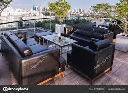 Leder Sofa Esstisch Auf Der Terrasse Im Freien Am Nachmittag Zeit