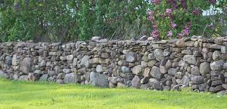 building a dry stack stone wall