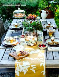 Outdoor rustic Easter Party Table setting. Festive ideas for a Spring  Brunch!