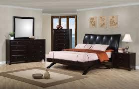 phoenix platform bedroom set in cappuccino