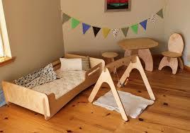 Mobili Cameretta Montessori : Lettino montessori ecologico per bambini i modelli woodly
