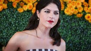Aug 11, 2021 · selma blair is 'always here' for christina applegate after ms diagnosis selma blair attends the 2019 race to erase ms gala in beverly hills. Fxngm6kbrek0km