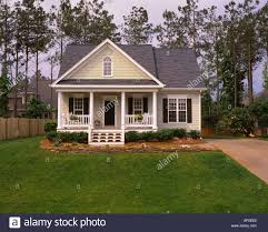 House With Black Trim Large White House Black Trim Stock Photos Large White House