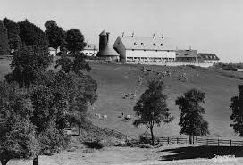 the webb barn built 1929 east of the italian water garden to house the prize winning dairy herd c 1930 longwood s agricultural