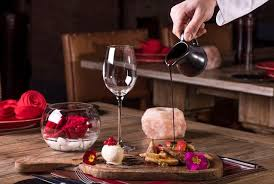 looking to go all out this valentine s day we spotted the uae s poshest hotel and dinner packages