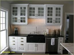 pictures of kitchen cabinets with knobs and pulls kitchen cabinet hardware trends 2017 pulls or knobs