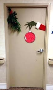 Office xmas decoration ideas Airport Office Holiday Decorating Ideas Office Decorations Ideas Easy For Doors Cubicle Holiday Decorating Easy Office Door Tactacco Office Holiday Decorating Ideas Tactacco