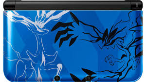 Nintendo 3DS im Pokémon X/Y-Design