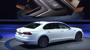 2018 volkswagen electric. interesting 2018 the phideon gteu0027s 141kwh lithiumion battery is going to have enough  juice for a passat gtematching electric range of 31 miles 50 kilometers with 2018 volkswagen