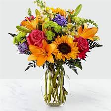 Valentine flowers include traditional red roses, gerbera daisies, lilies, irises and more. 2021 Valentine S For Him Gifts Flowers Delivery Ftd