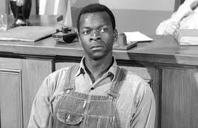 how are tom robinson and boo radley in to kill a mockingbird like boo radley robinson is an innocent who wasn t protected or respected he is a mockingbird that was killed when his only intent was to sp joy to