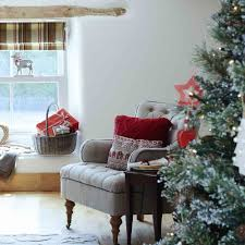 christmas living room decorating ideas. Festive Country Living Room With Window Seat And Red Accents Christmas Decorating Ideas O