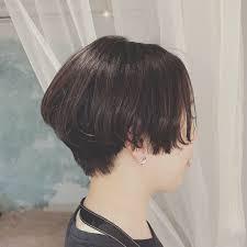 浦川 由起江さんのヘアスタイル 黒髪ショート 黒髪 Tredina
