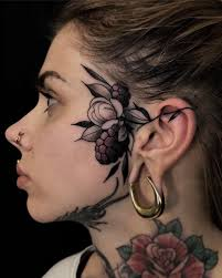 нью скул татуировки на лице и голове от Friedrich übler