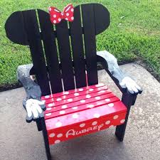 minnie mouse diy pallet chair the ultimate list of minnie mouse craft ideas