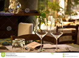 wine gl and table setting in restaurant
