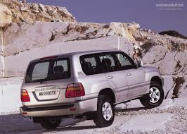 TOYOTA Land Cruiser 100 specs & photos - 1998, 1999, 2000, 2001 ...