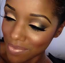 beautiful gold smokey eye on ellarie