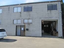 office and warehouse space. Bldg_2.JPG (198618 Bytes) Office And Warehouse Space