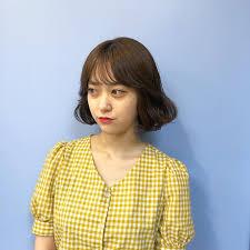 韓国ヘアは顔周りがポイントふわっと自然に流れるエギョモリ巻き方