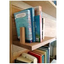 floating shelf with metal bracket