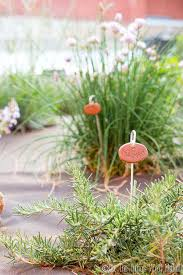 label your herb garden and other plants with these super cute and easy diy garden markers