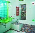 Зеленая плитка мозаика для ванной комнаты дизайн 70