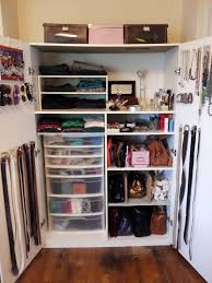 Organizing A Small Bedroom Small Bedroom Closet Organization Ideas Thesilverfishbugcom