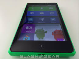 Nokia XL review: not the 'droid you're ...