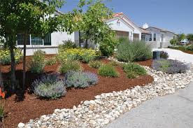 Flagstone and Rock Landscaping Ideas For Front Yard