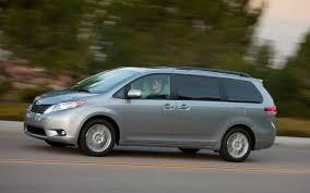 2013 Toyota Sienna Photos, Informations, Articles - BestCarMag.com