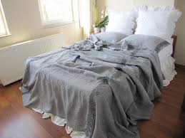 perfect rustic chic bedding for classic bedroom theme