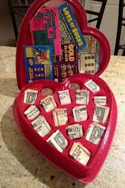 0f18f1c10eea5a46ec2c918ca5956b08 valentines gifts for guys valentine candy ideas