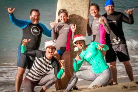 2018 holiday gift ideas for surfers family portrait santa hat maui family portrait ideas