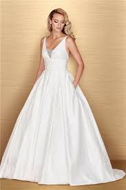 ball gown v neck sleeveless taffeta ruched wedding dress with pockets