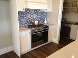 Kitchen Butlers Pantry Hampton Kitchen 900mm Free Standing Oven With Built In Range Hood