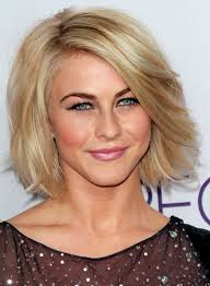 julianne hough s short straight blonde romantic hairstyle