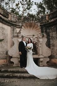 the rest of the details followed suite highlighted by fls in a moody dusty palette by anthology co the couple enlisted lauren apel photo to capture