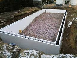 walls stacked before the pour