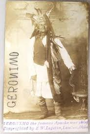 「The Apache chief dictated his autobiography, published in 1906 as Geronimo's Story of His Life. He died at Fort Sill on February 17, 1909.」の画像検索結果