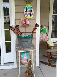 perfect easter themed homemade outdoor decoration