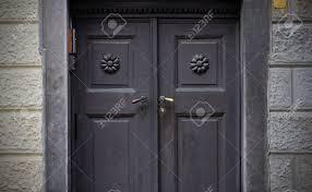 Alte Türen Griffe Schlösser Gitter Und Fenster Lizenzfreie Fotos