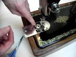 Threading Singer Sewing Machine Bobbin