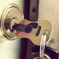 the guitar key gift idea for a guitar player