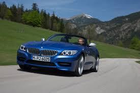 BMW Z4 Adds Iconic Estoril Blue Paint to Lineup