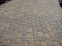 Patio pavers patterns Basket Weave Antique Cobble Runner Laying Pattern Installitdirect Paver Patterns And Design Ideas For Your Patio