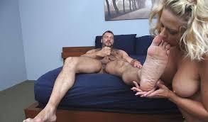 Girls and man foot fetish