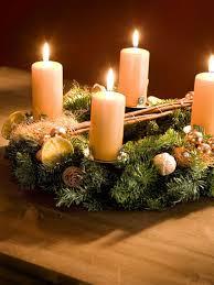 christmas-candle-centerpiece-table-pillar-candles-wreath