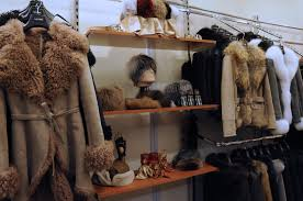 types of fur used to manufacture clothing